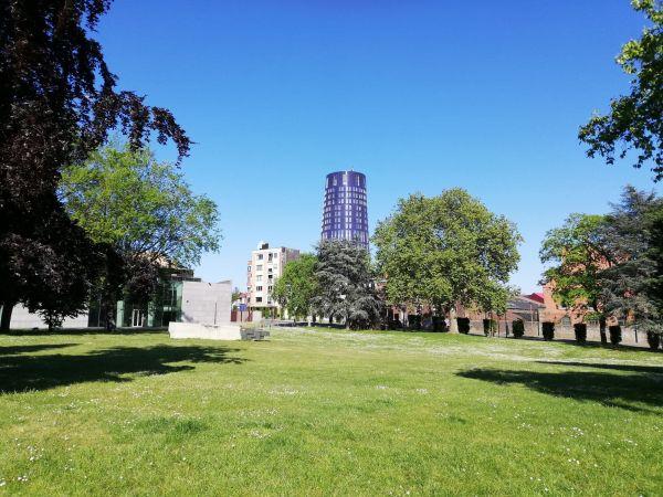 La tour de Police de Charleroi